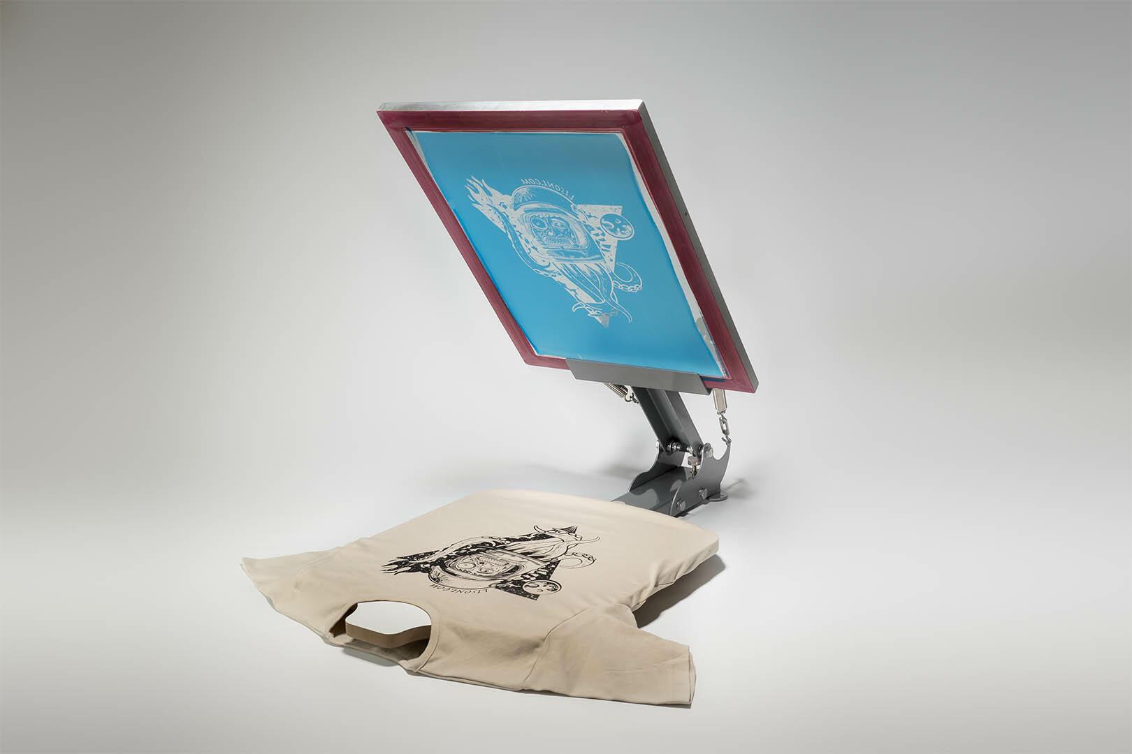t shirt druckmaschine siebdruck auf textilien. Black Bedroom Furniture Sets. Home Design Ideas